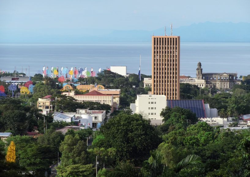 Managua, linda Managua. Full zoom, looking north from the Tiscapa Crater.