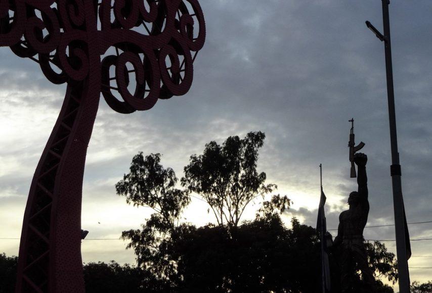 Managua Sandinista statue and tree.